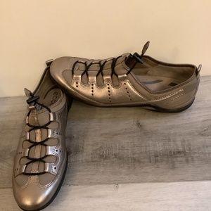 Ecco comfort foam shoes Sz 10/41 like new